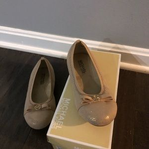 Girls Michael Kors kids flats!